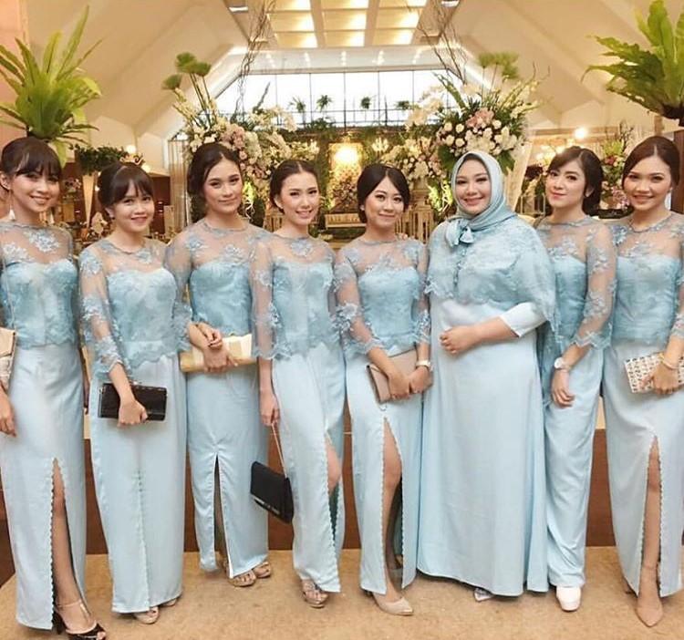 Model Kebaya Bruklat Kekinian Untuk Wanita Yang Cocok Untuk Ke Pesta